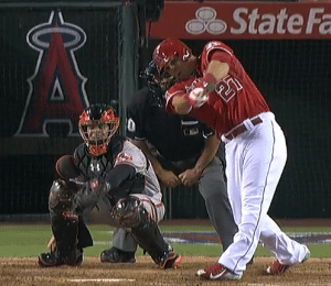 Mike Trout tilted shoulders on low pitch homer